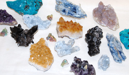 Image of  mineral specimens at the rock warehouse